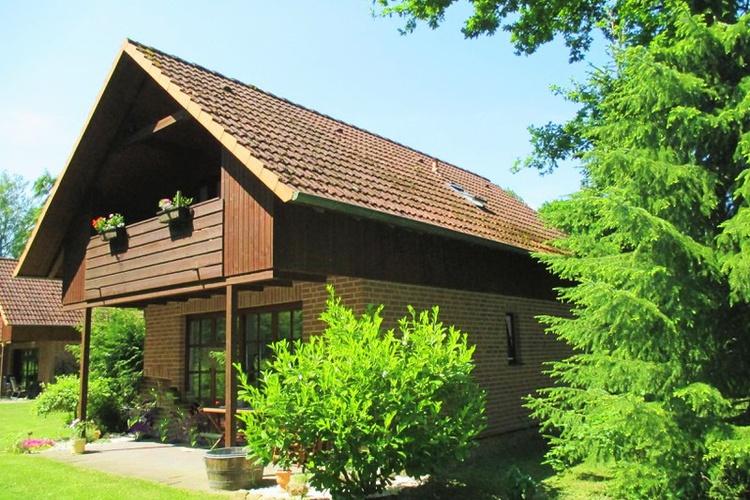 Ruhiges Modernes Ferienhaus, Aufgeteilt In Zwei Separate Ferienwohnungen,  Pro Wohnung Max. Zwei Naturliebhaber, Mit Eigener Badestelle Am Pönitzer  See Und ...