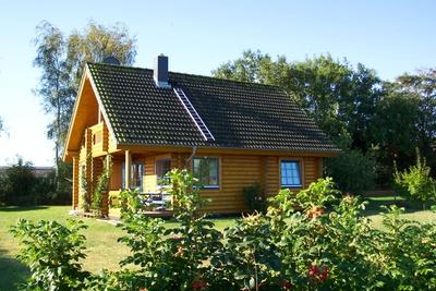 ferienhaus hasselberg schlei blockhaus schwackendorf. Black Bedroom Furniture Sets. Home Design Ideas