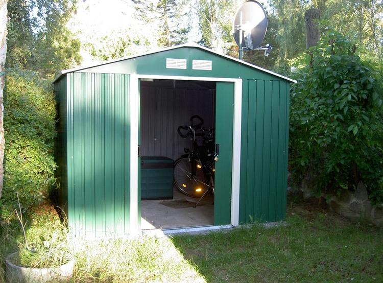 Fahrradschuppen + Gartenmöbel