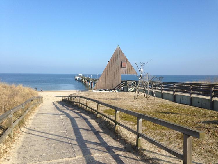 Strand mit Seebrücke 300m