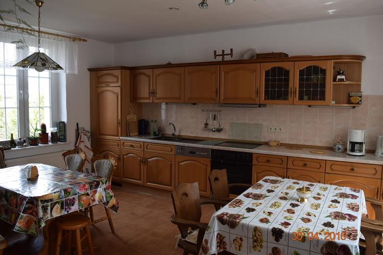Unsere große vollausgestattete Küche