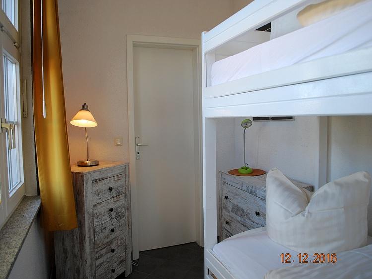 Blick in den 2. Schlafraum mit Doppelstockbett