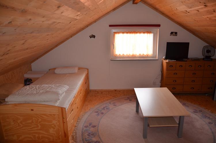 2. Schlafzimmer/Kinderzimmer