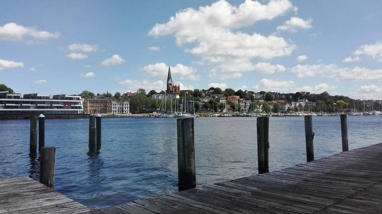 Stadt Flensburg mit Hafen