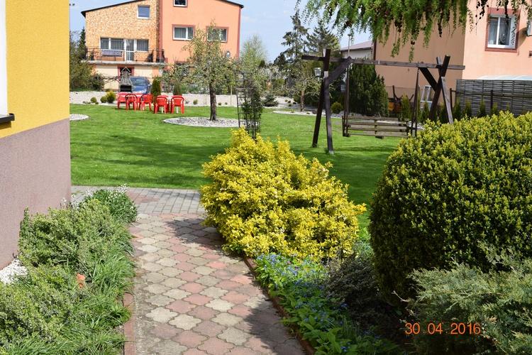 Ein Gartenblick am Haus