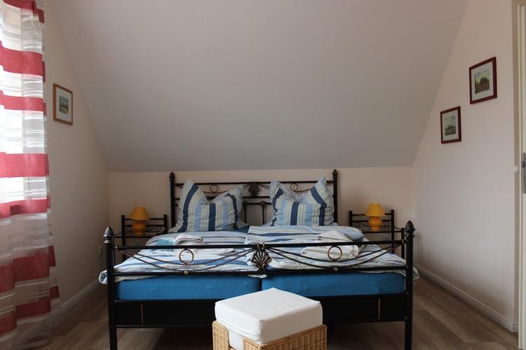 Zimmer oben mit Doppelbett