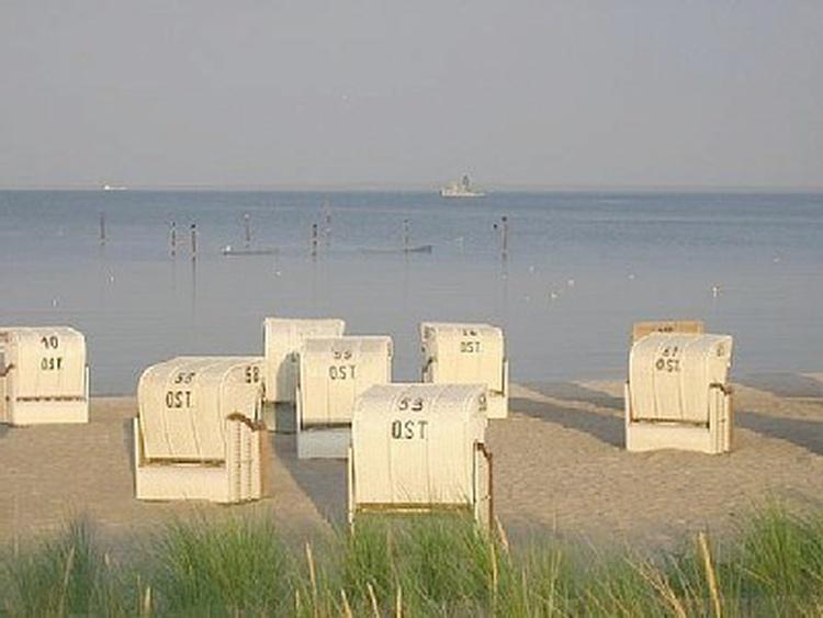 Strand gegenüber