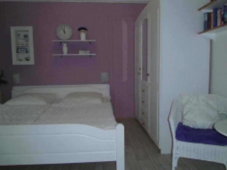 gr. FeWo   -Schlafzimmer  200x1,80-
