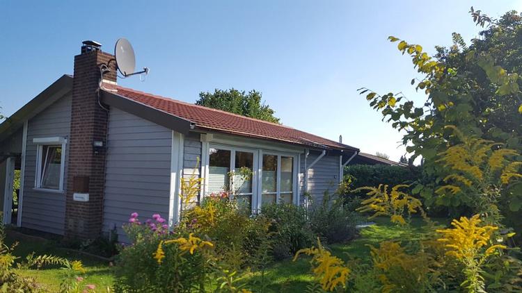 unser Ferienhaus von der Auffahrt aus fotografiert
