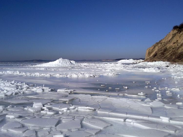der gefrorene Ostsse vor Göhren
