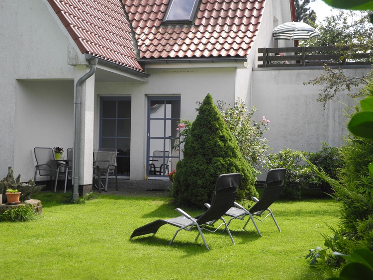 Blick auf die Terrasse (unten)