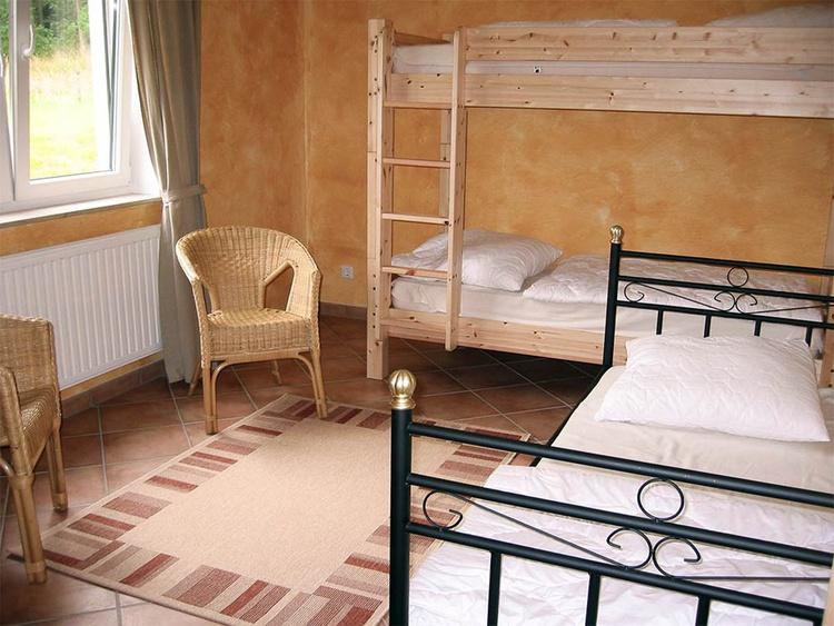 Schlafzimmer 3 Einzelbetten