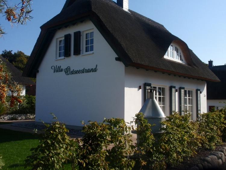 Ferienhaus Villa Ostseestrand mit Terrasse und Grill