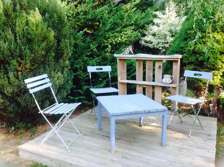 Sitzbereich im vorderem Garten