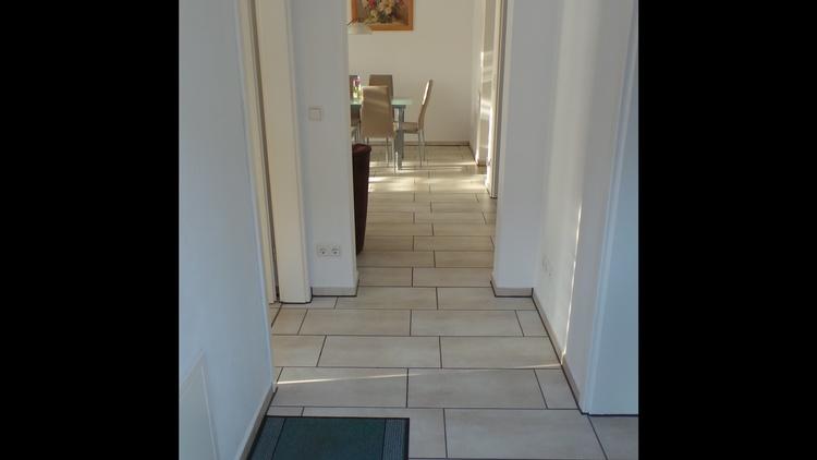 Eingangsbereich mit Blick in den Wohnbereich