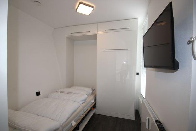 sep. Schlafzimmer 2 mit Schrankbett