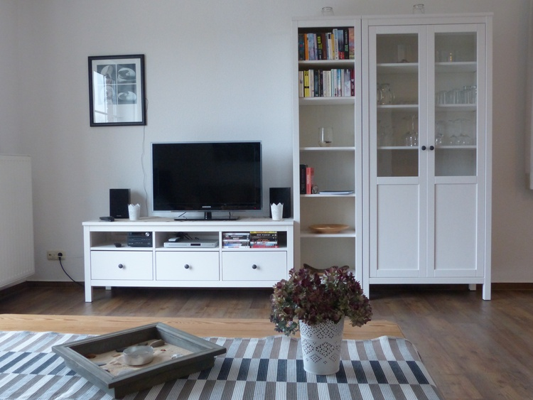 Wohnzimmer mit TV,DVD, Musik