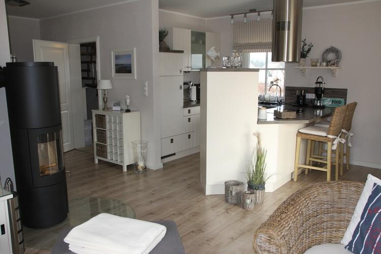 Blick vom Wohnbereich Richtung Küche