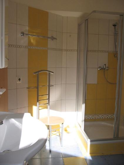 Bad unten DU,WC,Waschplatz