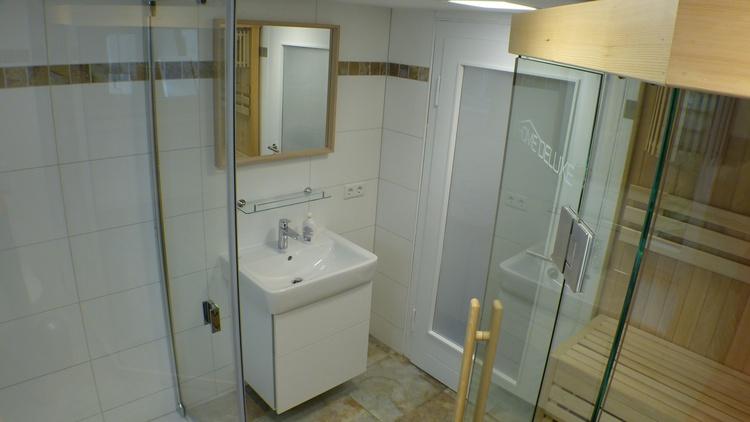 Bad mit Sauna Untergeschoss