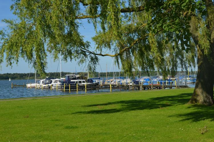 Ribnitzer Hafen, keine 2 min zu Fuß