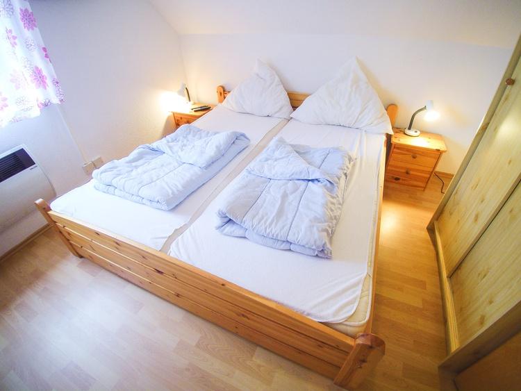 2. Schlafzimmer auch mit eigenem TV und DVD-Player