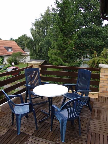 Die Dachterrasse lädt ein zum Relaxen in der Natur aber auch zum ausgiebigen Sonnenbad.