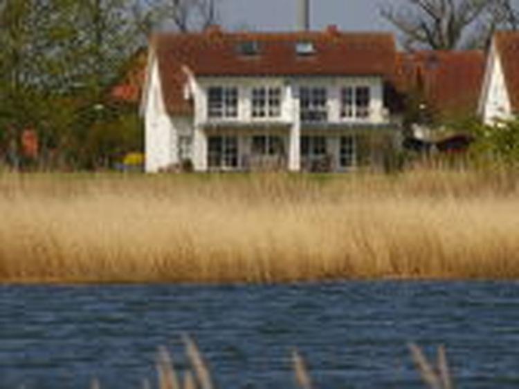Blick vom gegenüber liegenden Ufer