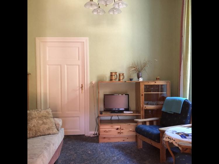 """Wohnzimmer der FeWo """"Waldessaum"""""""