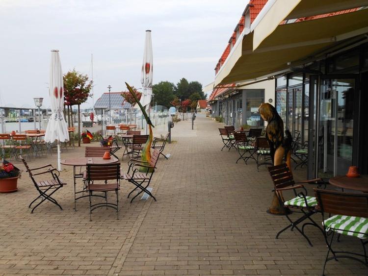 Promenade am Yachthafen 500 m entfernt
