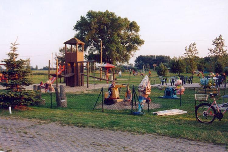 Spielplatz auf dem 6 km entfernten Campingplatz
