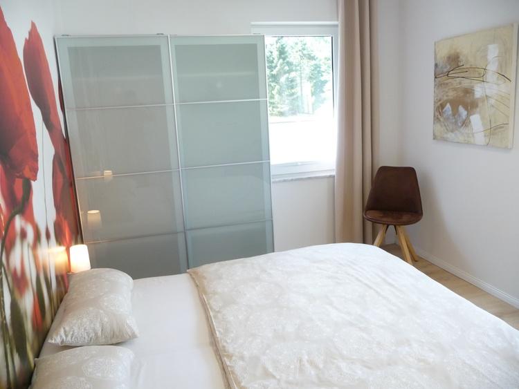 Schlafzimmer 2 (Kleiderschrank)