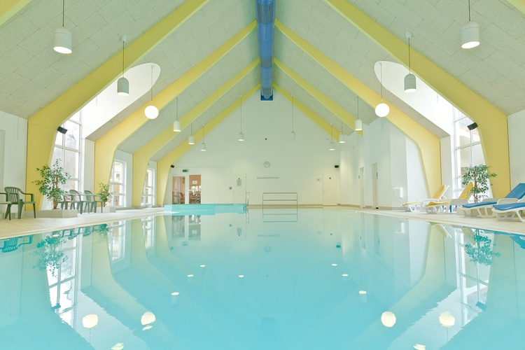 Schwimmbad in der Ferienanlage