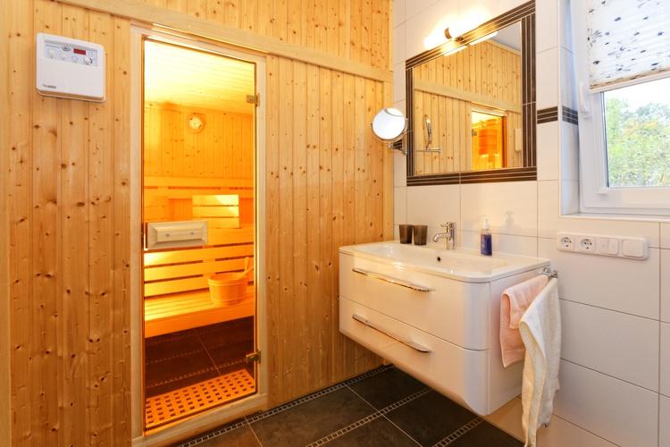 Badezimmer unten - mit Sauna