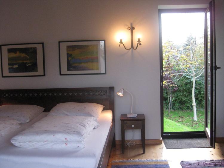 Schlafzimmer mit Doppelbett 2,00 x 1,80