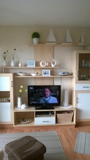 Schrankwand mit TV
