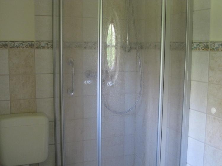 Dusche im EG-Bad