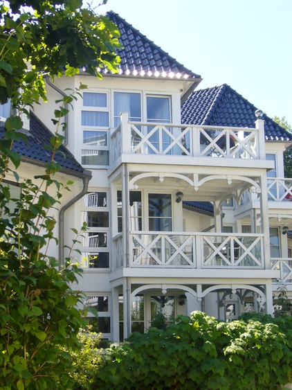 Sunny balcony on the top: sea vie and sound of the sea included for a perfect holiday!