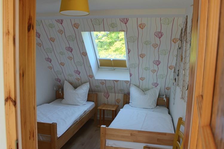 Schlafzimmer mit zwei Einzelbetten 90x200cm