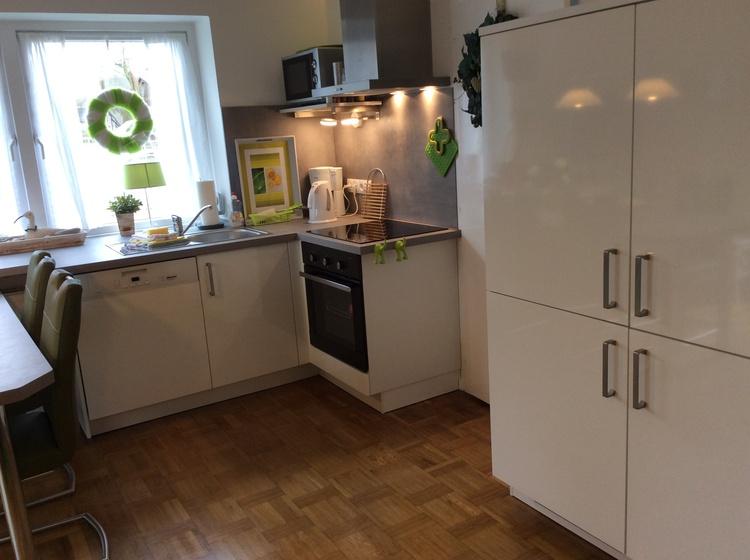 Küche mit Cerankochfeld