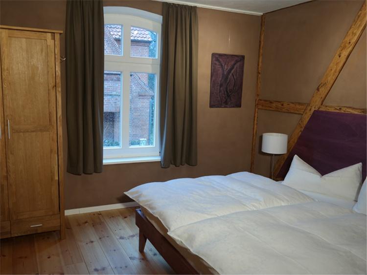 Doppelbett 3 Zi-Wohnung