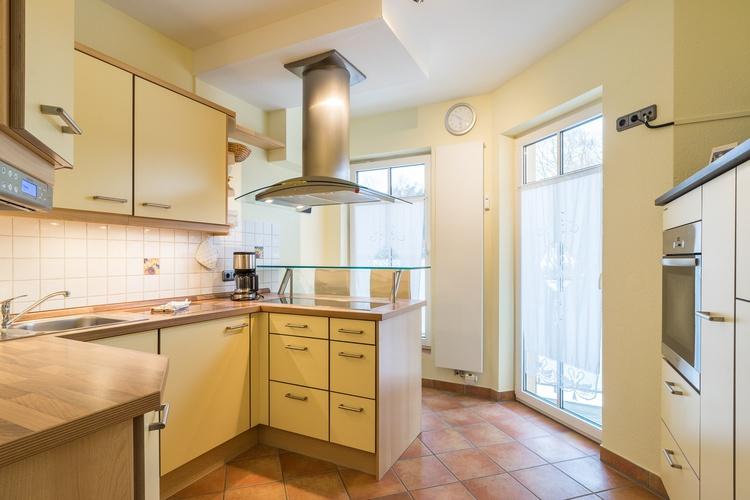 Küche mit Sitz möglichkeit