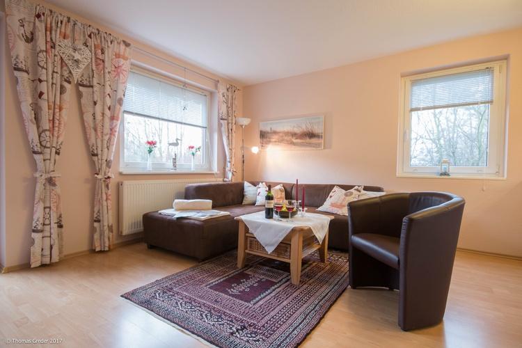 Wohnzimmer mit moderner Eckcouch