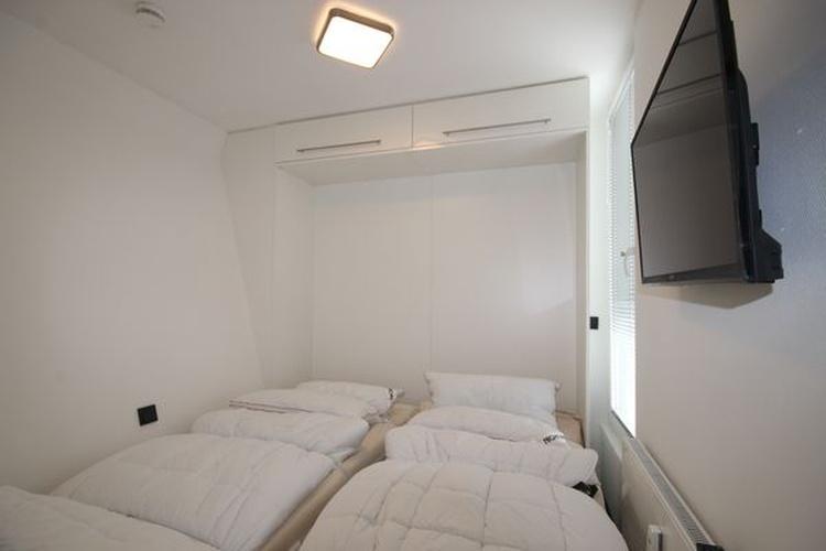 sep. Schlafzimmer 2 mit Doppel-Schrankbett
