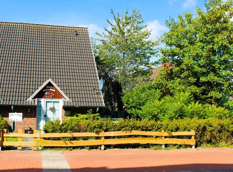 Strandnahes Ferienhaus mit eigenem Garten