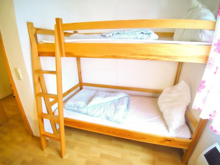 2. Schlafzimmer mit insgesamt 4 Betten