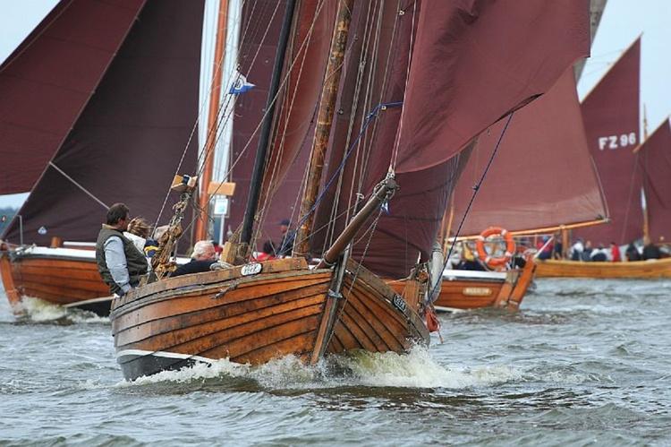 Zeesenbootregatta auf dem Bodden