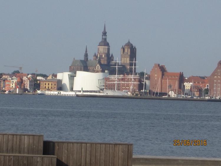 Blick auf Stralsund vom Strand aus