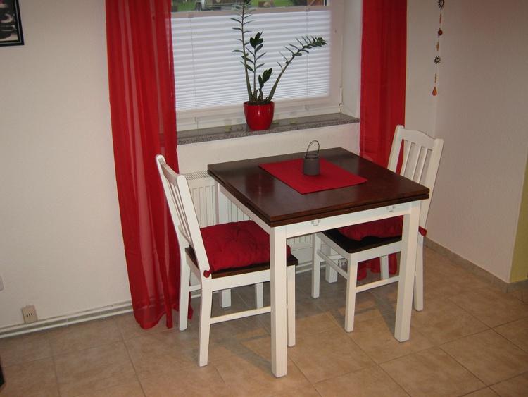 Essbereich m. ausziehb. Tisch