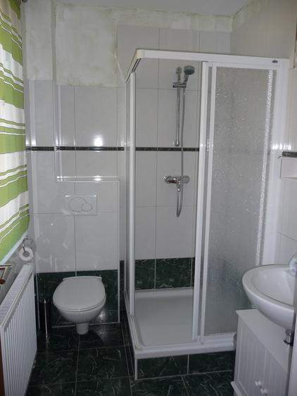 WC mit Dusche im Erdgeschoß